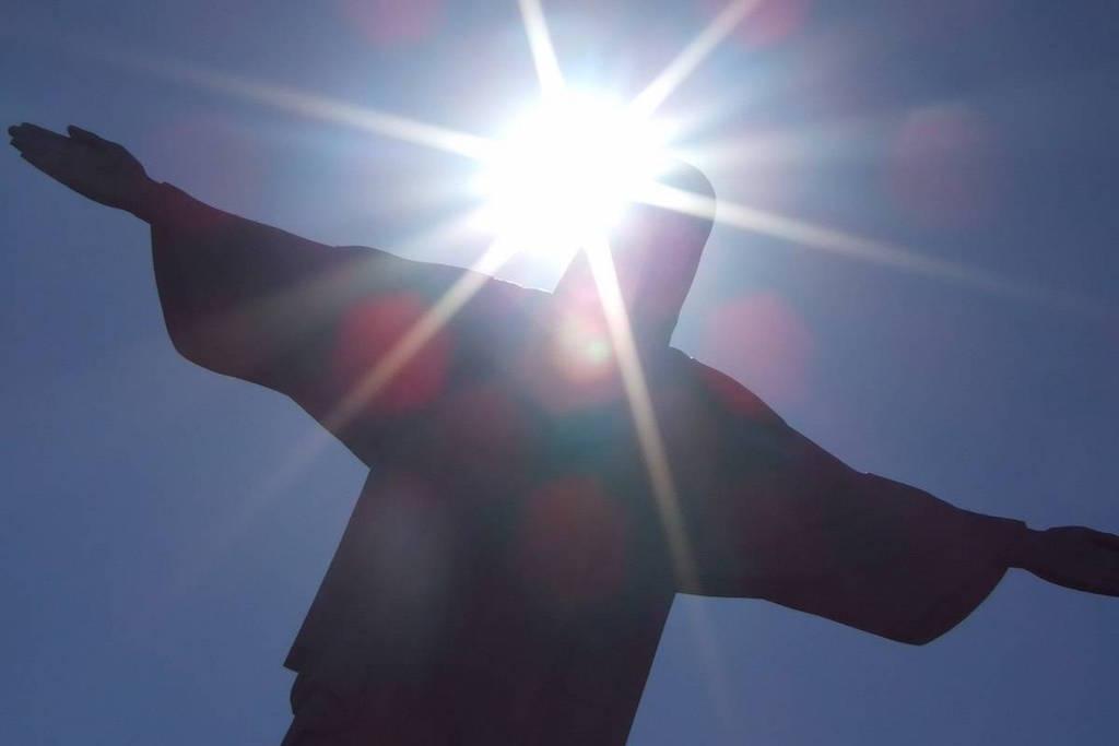 2013-04-21-22-48-19Cristo-luce-del-mondo
