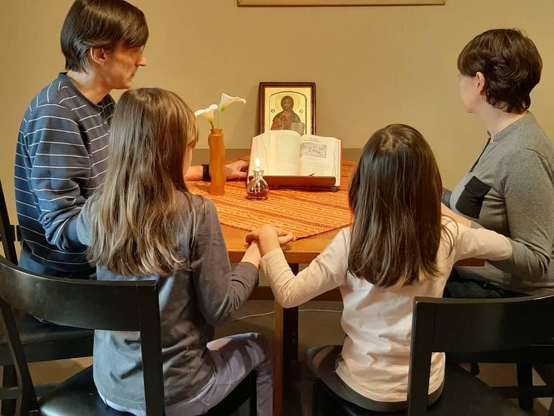 preghiera_in_famiglia-thumbnail-800x600-70